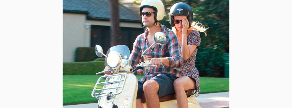adb722c38e ... y con él, las salidas y los viajes en moto. Además, como hace calor,  nos gusta levantar la visera del casco, o incluso llevar cascos Jet, para  que ...