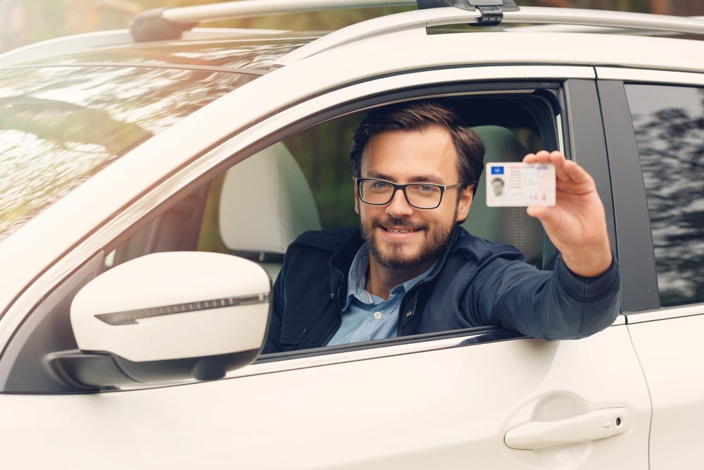 1d6b01706f ... que recibimos durante la conducción proviene de la visión, por lo que  esta es una capacidad indispensable. Si necesitas gafas o lentillas para  conducir, ...