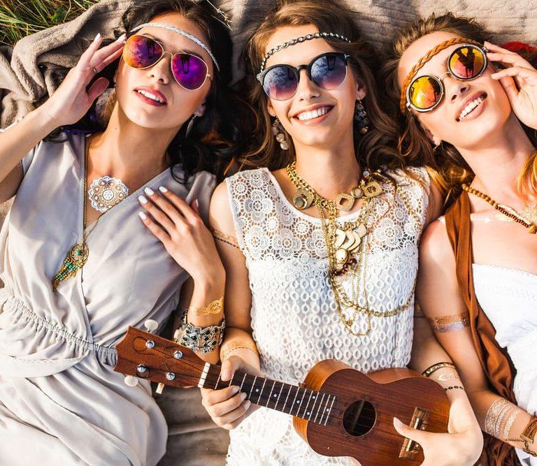 Tendencias de moda en gafas de los años 60 – El Blog de Medical Óptica  Audición c77808c620
