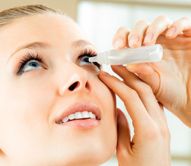 Tratamiento para los ojos secos. Gotas para hidratar los ojos.
