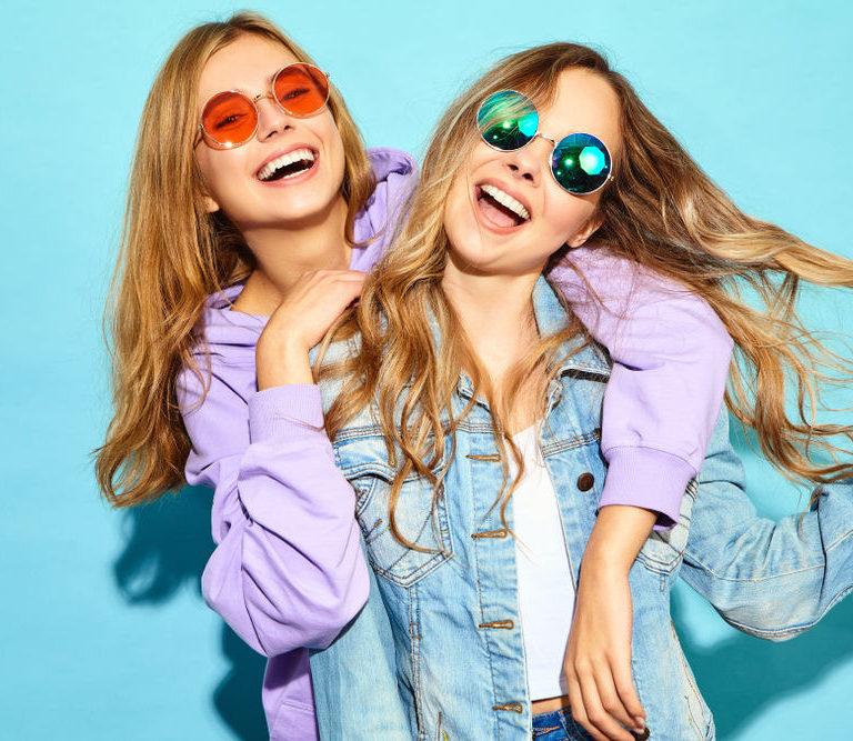 Gafas discretas, de colores o combinadas