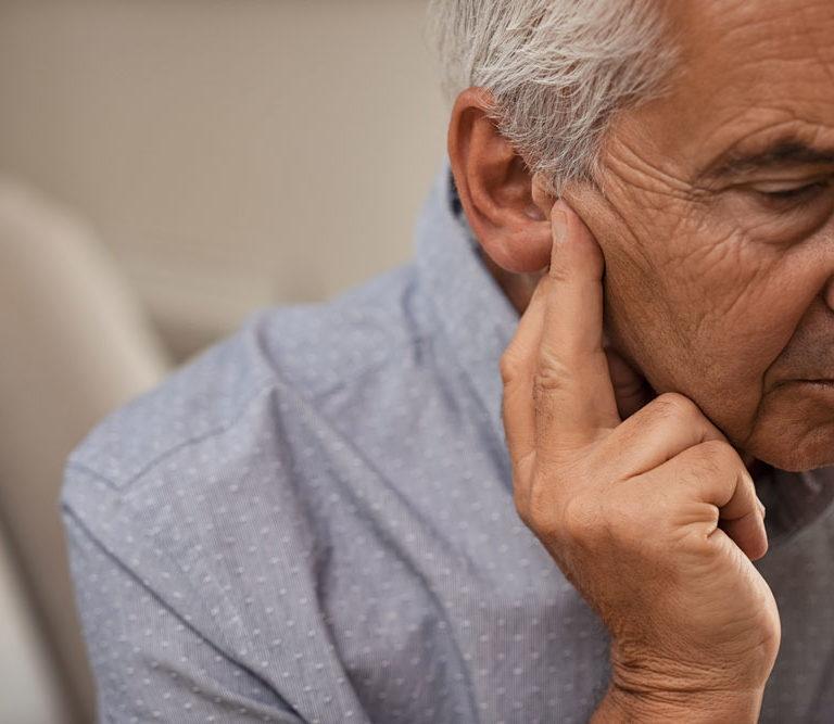 Pérdida auditiva por la edad. Medical Óptica Audición.