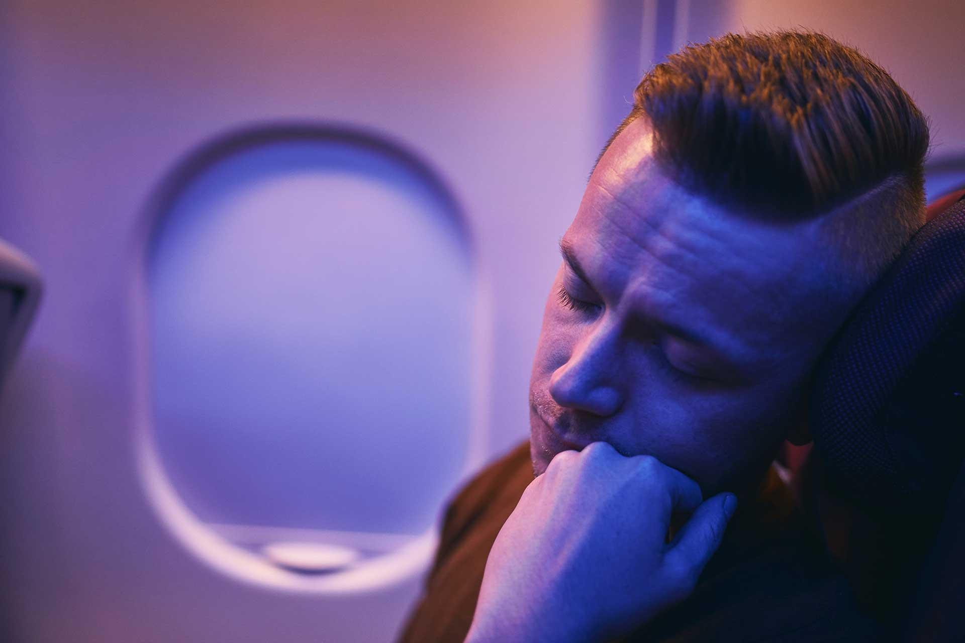 Consejos para evitar molestias en el oído tras un vuelo