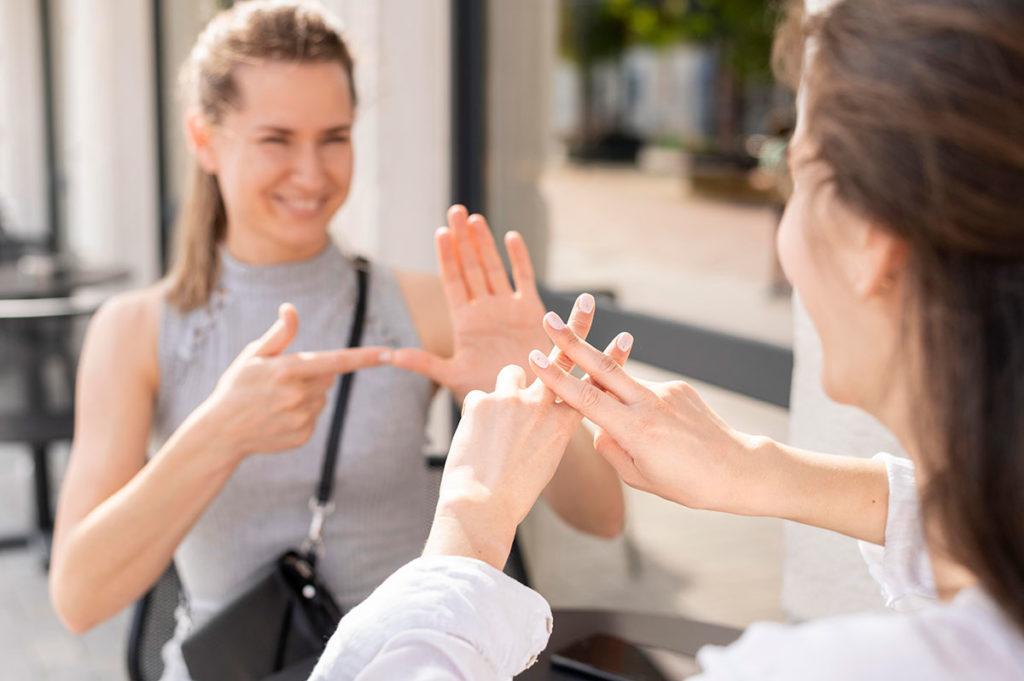 Los principales mitos sobre la sordera y la lengua de signos